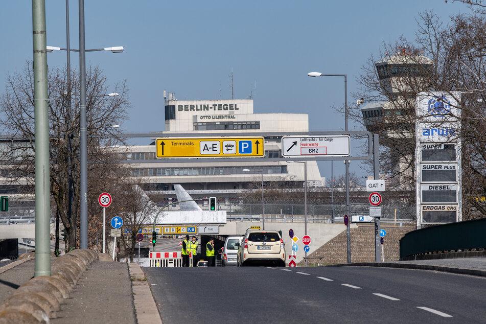 Statt in Tempelhof werden die Zweitimpfungen einfach am Flughafen Tegel verabreicht, das sorgte aber für viel Verwirrung.