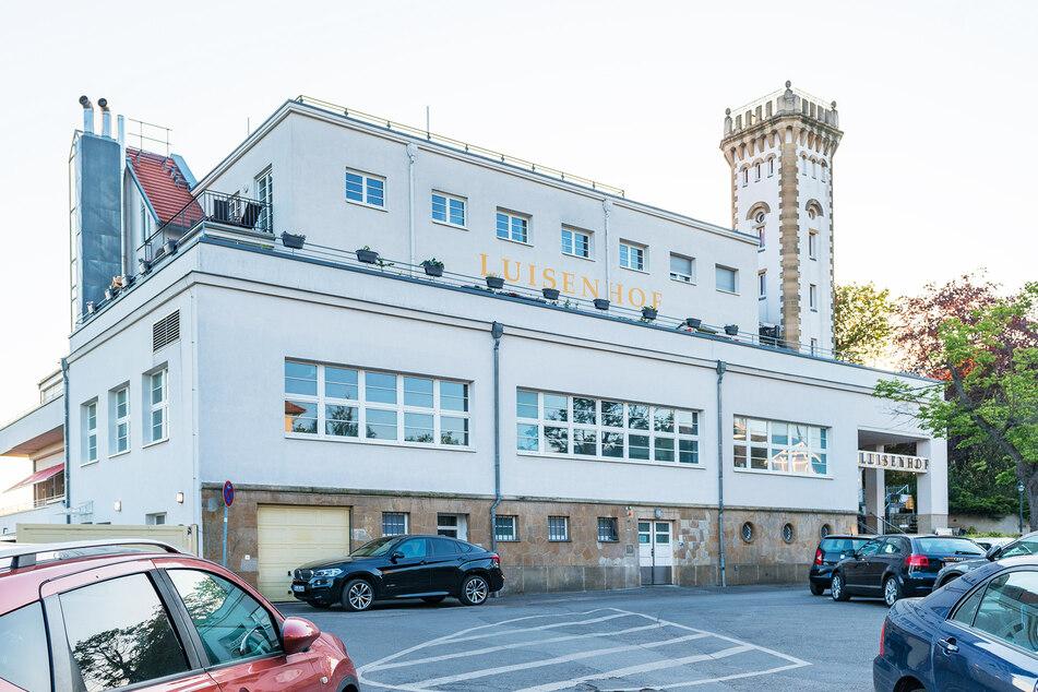 Zora Schwarz wohnt im Luisenhof-Turm, wollte dort auf vier Terrassen feiern.