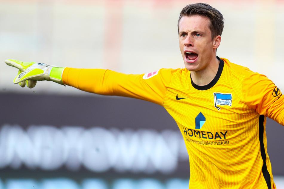 Alexander Schwolow wechselte vergangenen Sommer vom SC Freiburg zu Hertha BSC und wäre beinah abgestiegen.