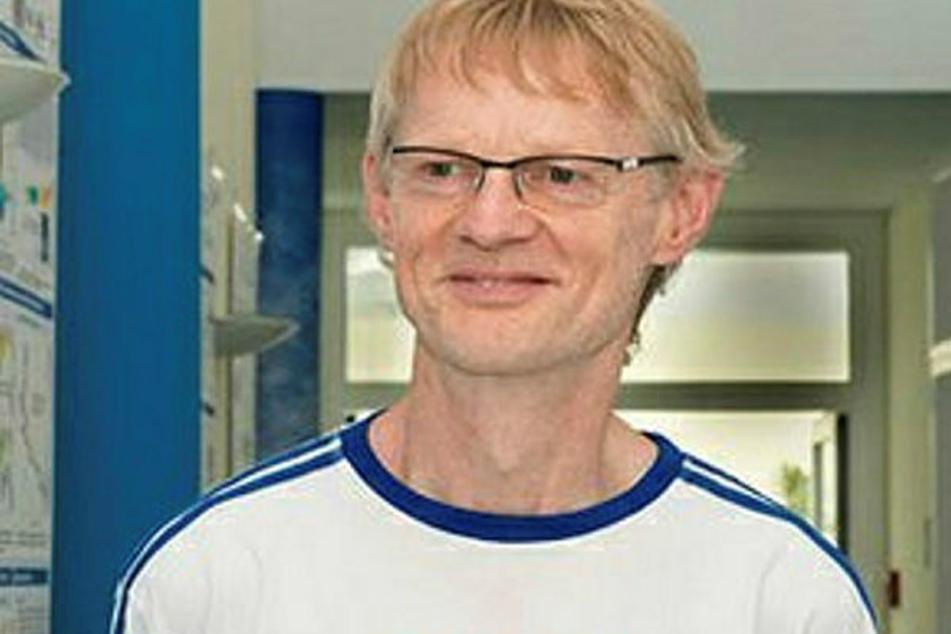 Atmosphären-Forscher Albert Ansmann (63) vom Leibniz-Institut (Tropos) beobachtet die Smog-Wolke über Leipzig.