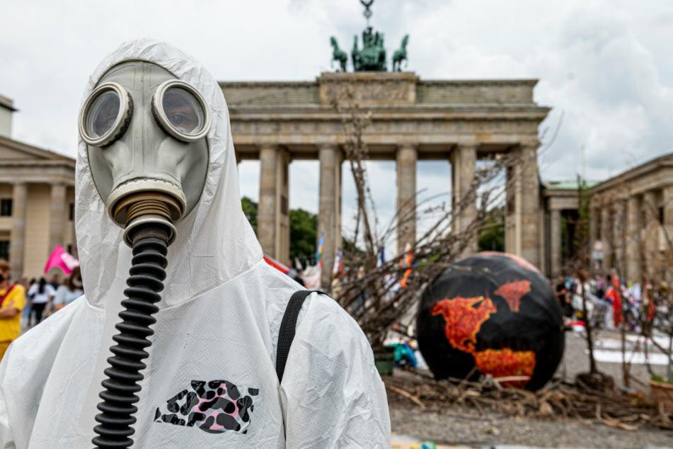 Berlin: Umweltaktivisten von Extinction Rebellion protestieren wieder in Berlin