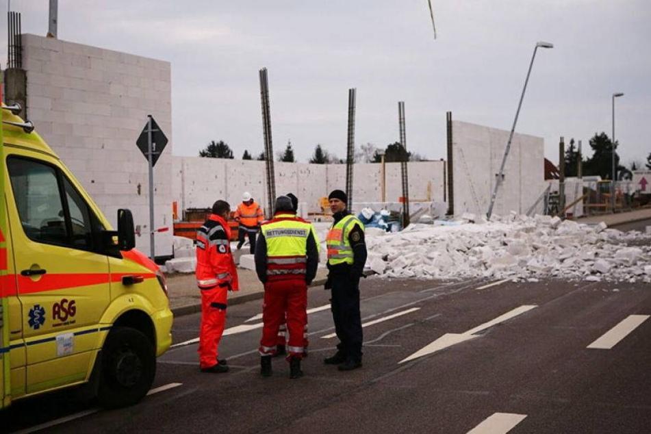 Bauarbeiter bei Arbeitsunfall von Mauer erschlagen
