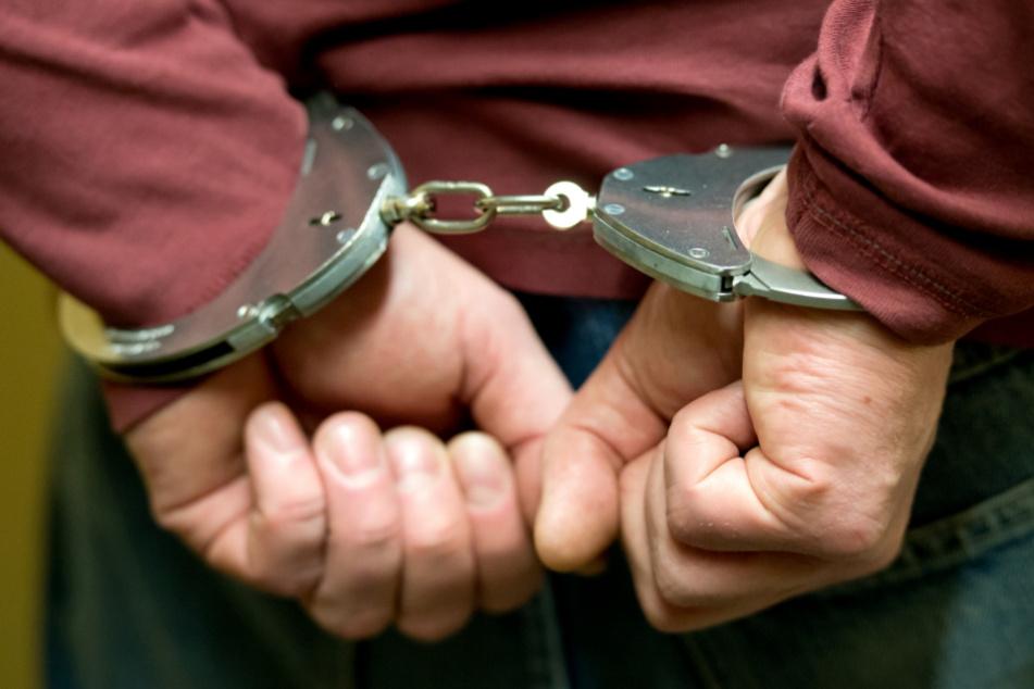 Haftbefehl! Mitarbeiter soll seine Klinik um Hunderttausende Euro betrogen haben
