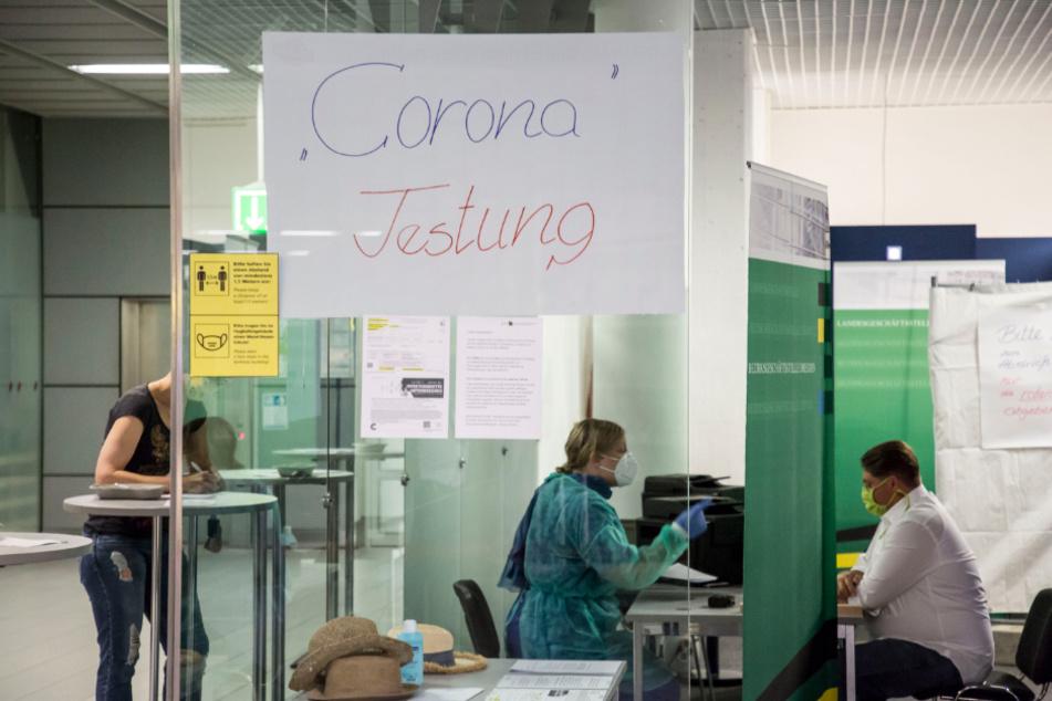 Mallorca-Rückkehrer können sich gleich im Flughafen testen lassen.