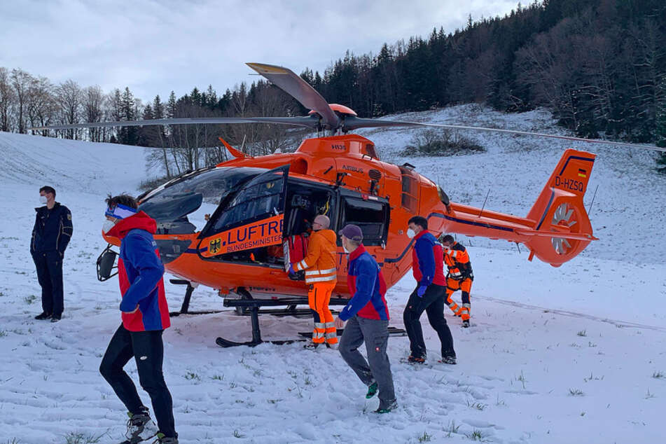 Mit dem Hubschrauber wurde das Kind in eine Klink gebracht.