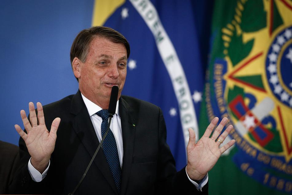 Corona-Impfstoff? Brasiliens Präsident Jair Bolsonaro (65) möchte lieber warten. Er warnt vor Nebenwirkungen, wie der Verwandlung in einen Kaiman.