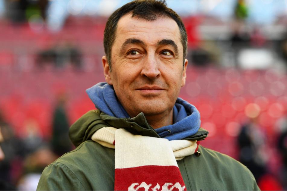 Cem Özdemir (55, Grüne) ist leidenschaftlicher Fan des VfB Stuttgart und würde sich bei Anfrage zumindest überlegen, ob er einen Posten im Aufsichtsrat übernimmt. (Archivbild)
