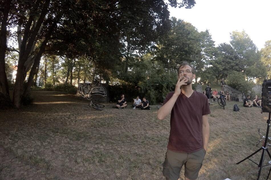 Während des Protestes wird kein Cannabis, sondern eine legale Kräutermischung konsumiert, beteuert Detzner.