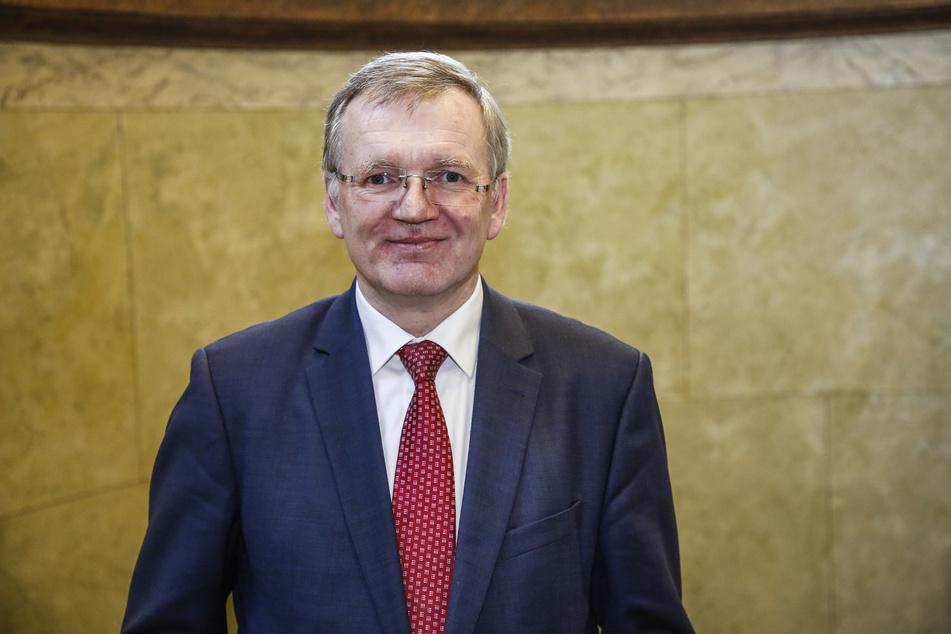 Die Arbeit der Bußgeldbehörde fällt in den Aufgabenbereich von Ordnungsbürgermeister Detlef Sittel (53, CDU).