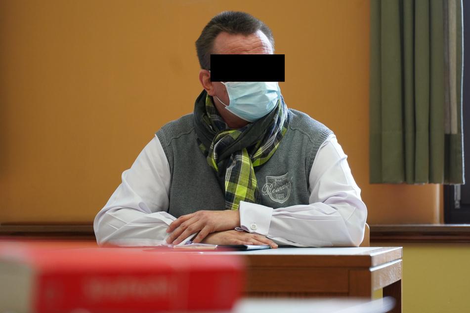 Alexander S. (49) musste im Amtsgericht Rede und Antwort stehen.