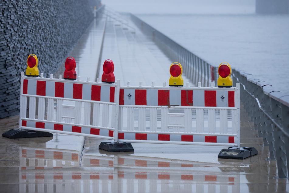 Hochwasser in Köln erwartet: Rheinufer teilweise abgesperrt