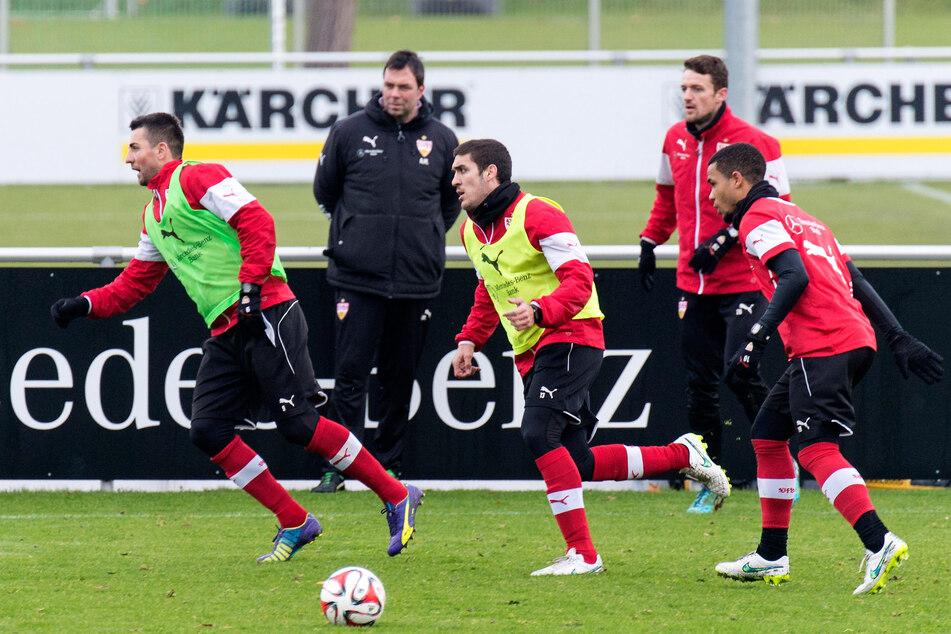 Bevor er die Keeper vom 1. FC Köln trainiert hat, war Andreas Menger (48, 2.v.l.) unter anderem beim VfB Stuttgart tätig. Nun verlässt er die Geißböcke nach dreieinhalb Jahren. (Archivfoto)