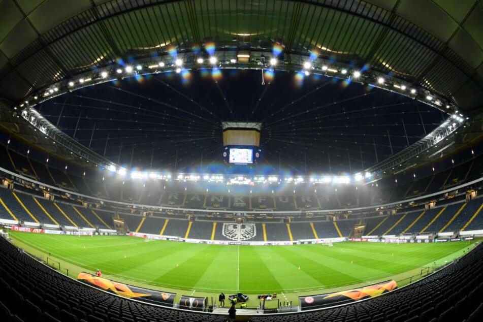 Alle 3266 Business-Seats und Logen-Plätze werden in der Commerzbank-Arena aller Voraussicht nach auch in der kommenden Saison vergeben sein (Archivbild).