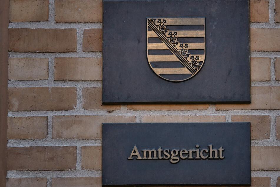 Mutti geschlagen und beklaut: Rüpel-Junior muss Strafe zahlen