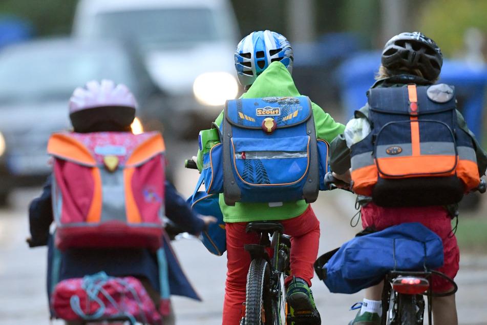 Wegen der Corona-Pandemie haben deutlich weniger Grundschüler im Südwesten ihre Radfahrausbildung abgeschlossen als in den Vorjahren.