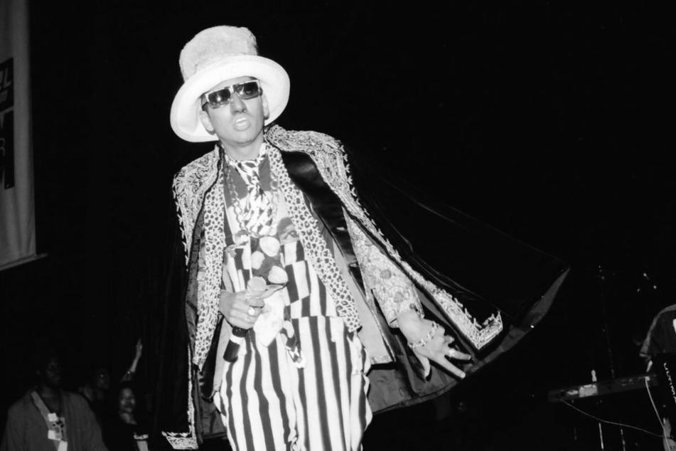 """Shock G (†57) als sein Alter-Ego """"Humpty Hump"""" bei einem Auftritt in Mountain View, Kalifornien, 1991. (Archivbild)"""