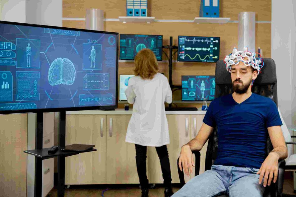 New brain tech helps paralyzed people write with their minds!