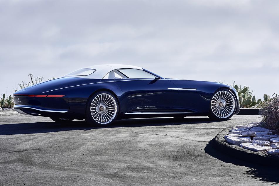 """Mit dem Heck in """"Boat-Tail""""-Form erinnert das Vision Mercedes-Maybach 6 Cabriolet an eine Luxusyacht."""