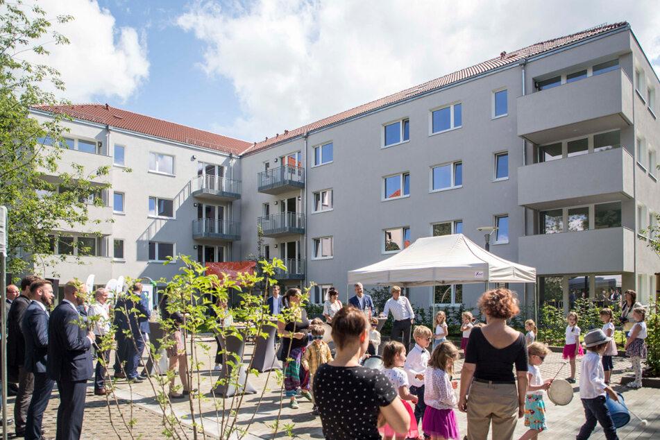 Am Donnerstag wurde im Hinterhof die Fertigstellung gefeiert.
