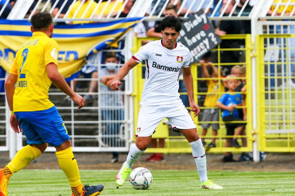Nadiem Amiri (24, r.) von Bayer 04 Leverkusen wurde in Deutschland geboren und stieg sogar zum Nationalspieler auf, hat aber afghanische Wurzeln