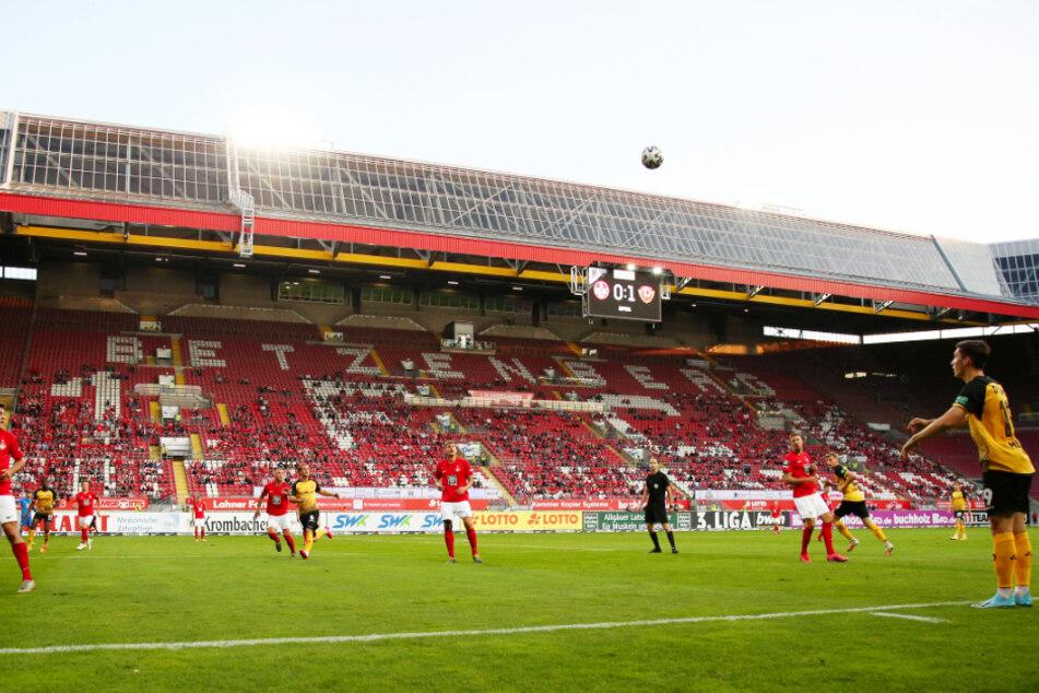 Etwas mehr als 4000 Zuschauer sahen im Fritz-Walter-Stadion den 1:0-Sieg von Dynamo.