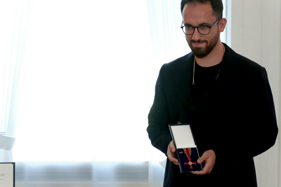 "Weltklasse-Pianist Igor Levit spielt bei Aktion ""Flügel statt Flügel"" gegen AfD an"