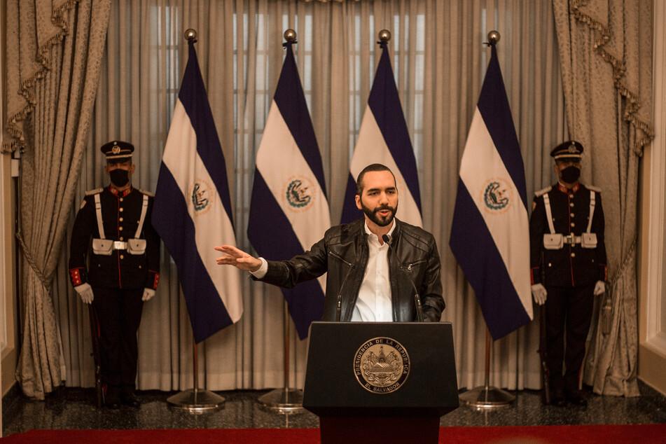 Nayib Bukele (40, M.), Präsident von El Salvador, verkündete, dass das Land habe seine ersten 400 Bitcoin gekauft.