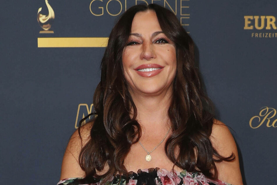 """Simone Thomalla (56) hat am Freitagabend die TV-Gala """"Goldene Henne"""" besucht."""