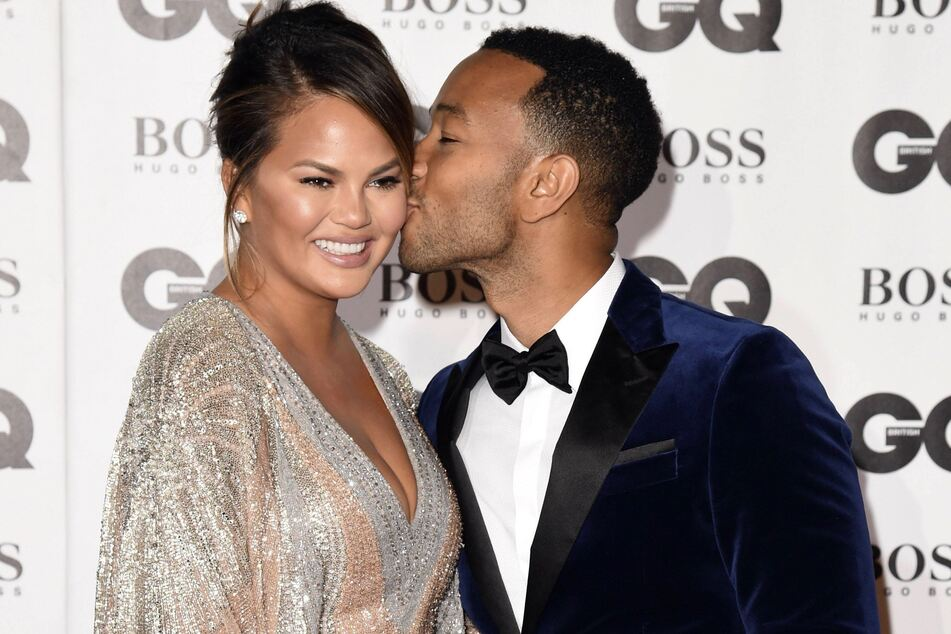 Chrissy Teigen (34) and her husband John Legend (41) in London in 2018.