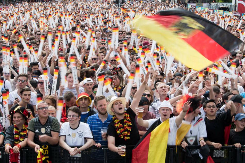 Public Viewing zur Fußball-EM möglich? Das sagt die Umweltministerin