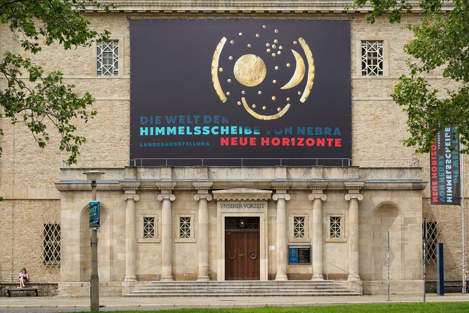 """Die Ausstellung """"Die Welt der Himmelsscheibe von Nebra - Neue Horizonte"""" ist bis Januar 2022 geöffnet."""