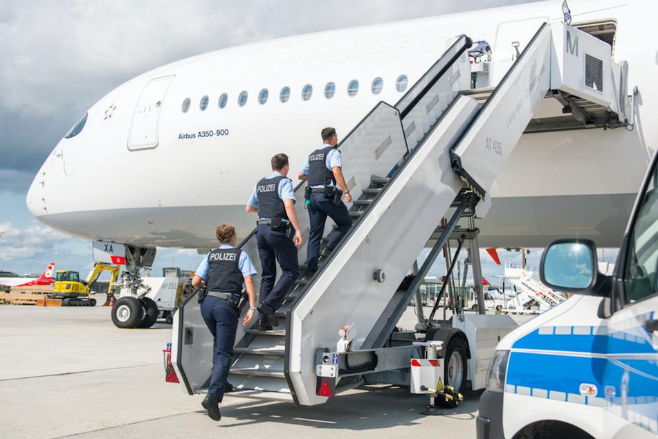 München: Freudige Überraschung über den Wolken: Flugzeug muss in München notlanden