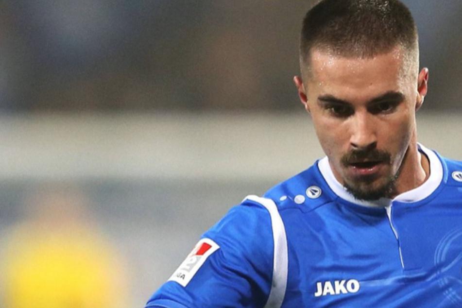 Fünferpack und Turbo-Hattrick: Ex-Zweitliga-Profi ballert Tabellenführer zum 7:0-Sieg im Derby