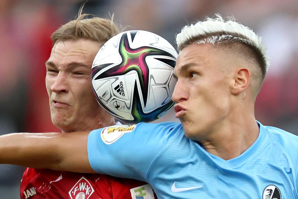 U21-Europameister Nico Schlotterbeck (21, r.) kehrte nach seiner Leihe zu Union Berlin zum SC Freiburg zurück. Der Innenverteidiger könnte den Verein aber möglicherweise noch vor Ende des Transferfensters verlassen.