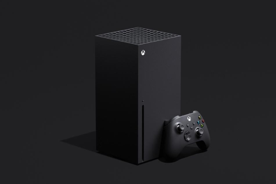 """""""Sieht aus wie ein Kühlschrank"""", meckerten zahlreiche Fans zu der Xbox-Konsole von 2020. Der Hersteller verwandelte die Kritik kurzerhand in eine Marketingstrategie."""