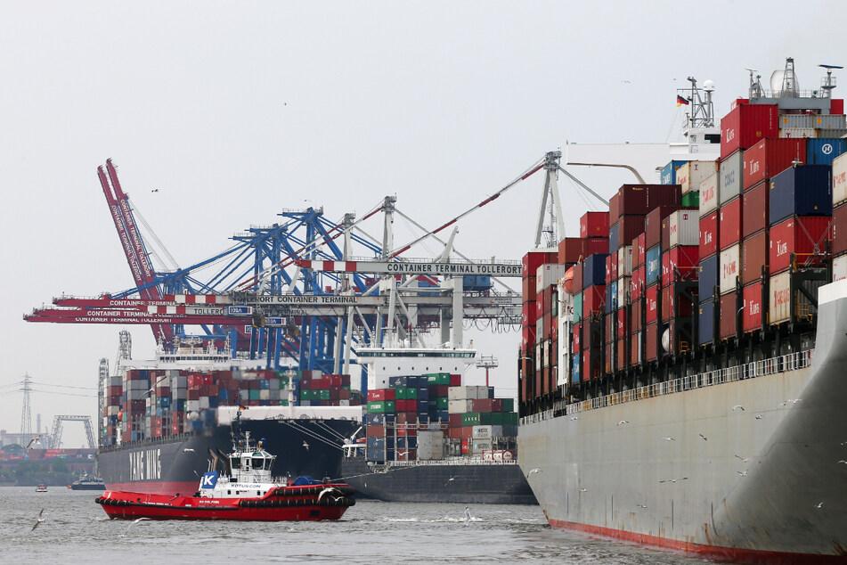 """Weil der Kapitän an Corona gestorben sein könnte, wurde der italienische Containerfrachter """"Ital Liberia"""" zuletzt an mehreren Häfen abgewiesen. (Symbolfoto)"""