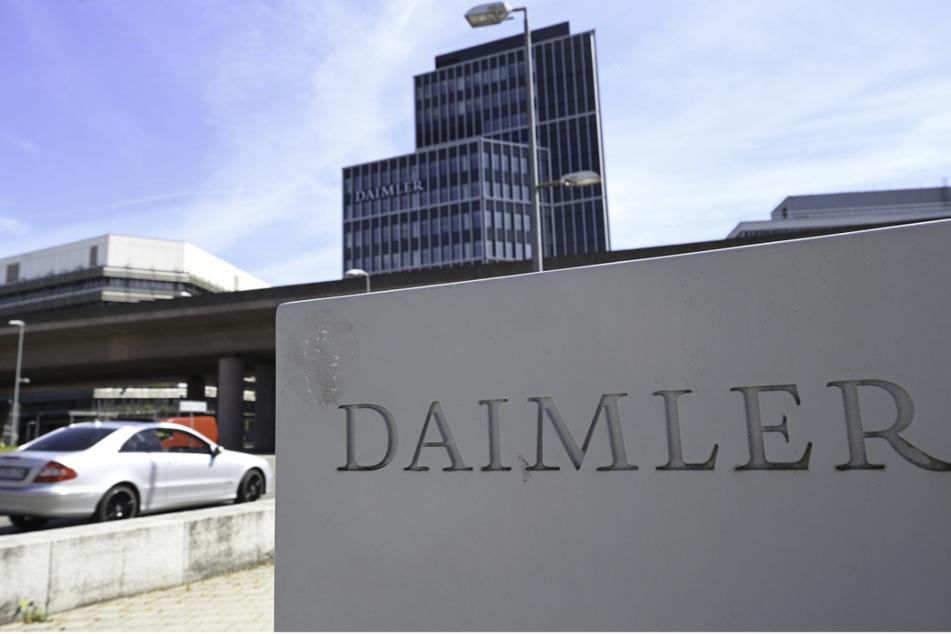 Daimler plant, Verkaufshäuser und Werkstätten in Großbritannien, Spanien und Belgien zu verkaufen.