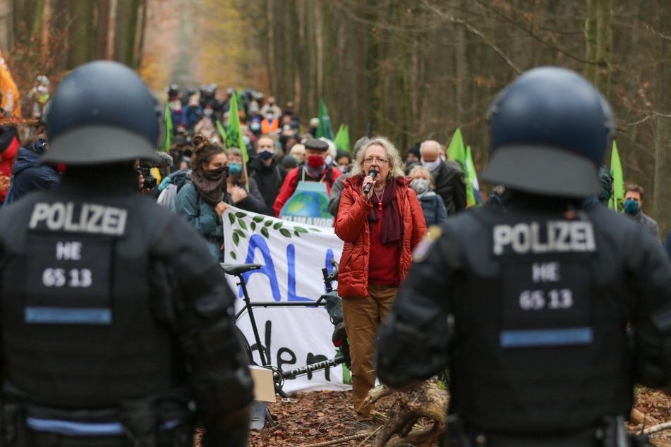 Schon des Öfteren kam es in den letzten Wochen zu Auseinandersetzungen im Dannenröder Forst.