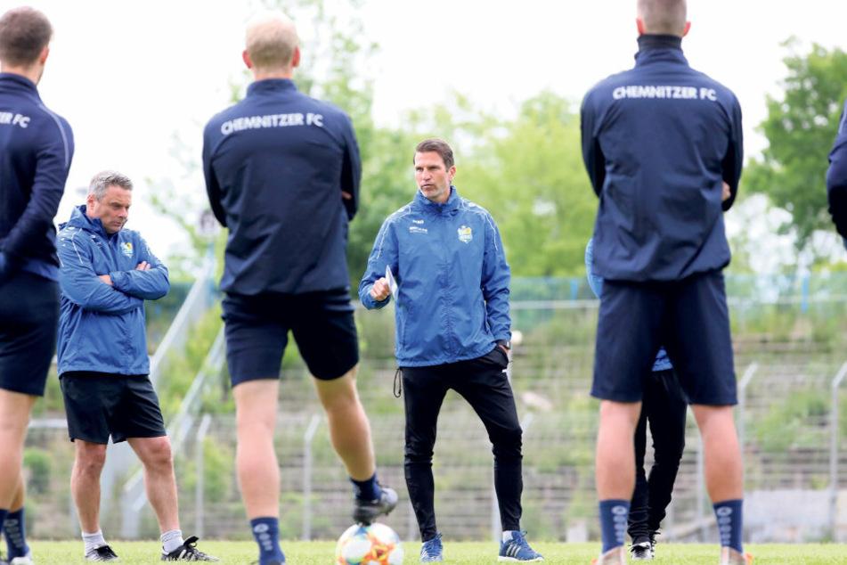 Patrick Glöckner hatte nach dem 0:1 gegen Großaspach nur wenig Zeit, seine Mannen wieder in Schwung zu bekommen. Am Samstag ist der CFC schon in Duisburg gefordert.