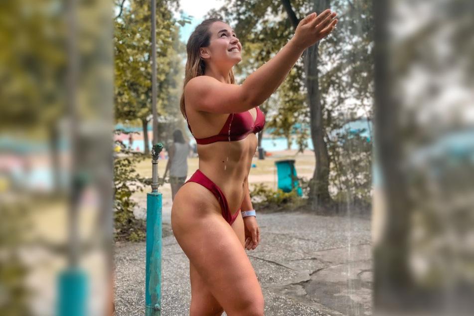 Fitness-Influencerin Miri aus Frankfurt veröffentlichte auf Instagram ein Foto, welches sie beim Duschen zeigt.