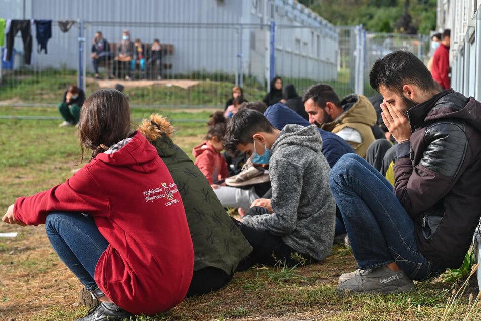 Flüchtlingsstrom reißt nicht ab: Wieder rund 700 Migranten aufgegriffen