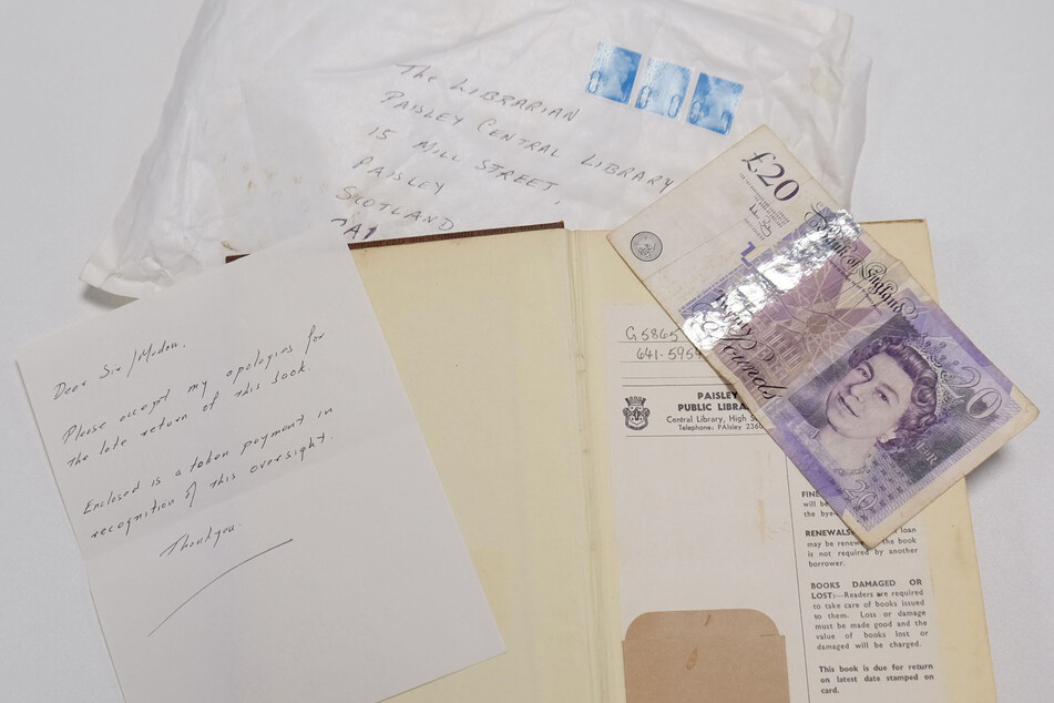 Nach mehr als 50 Jahren: Kochbuch in Bücherei zurückgegeben