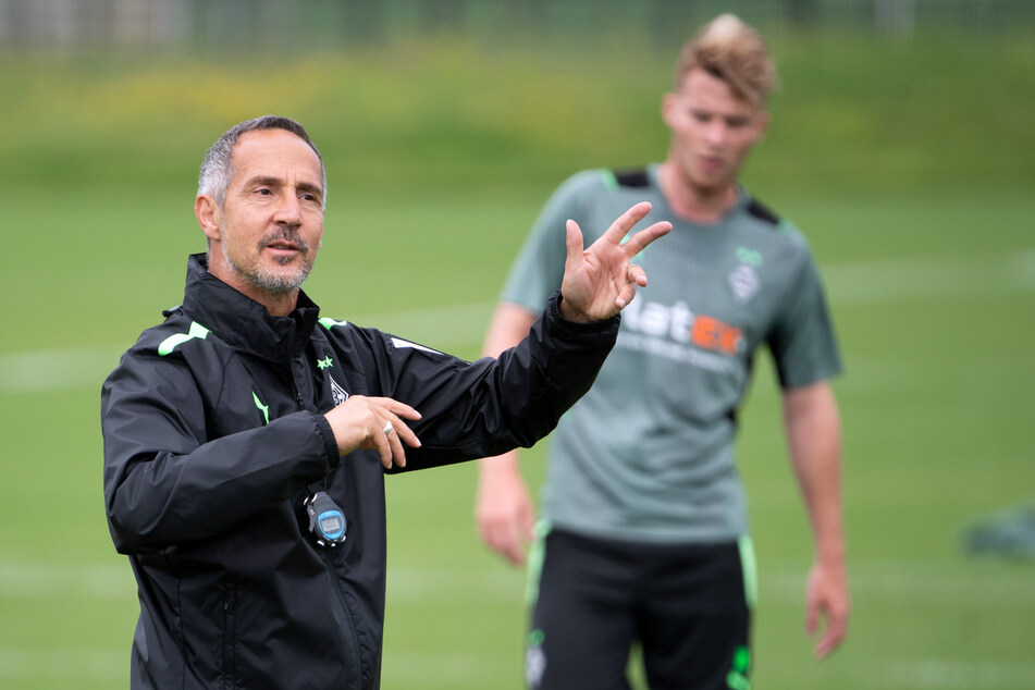 Gladbach-Coach Adi Hütter (51, l.) hat die Trainingstage genutzt, um seine Mannschaft bestens auf den kommenden Gegner vorzubereiten.