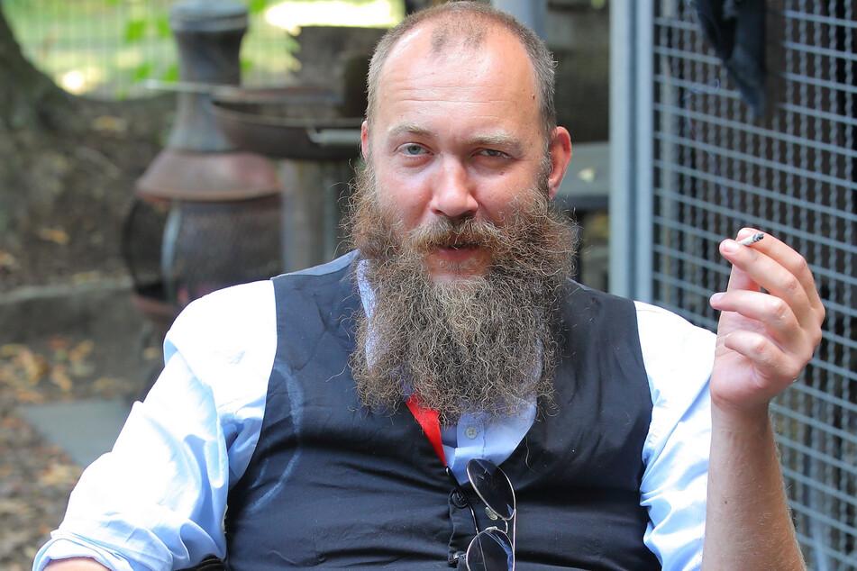 Dissidenten-Stadtrat Max Aschenbach (36, Die PARTEI) kämpft für legales Cannabis.