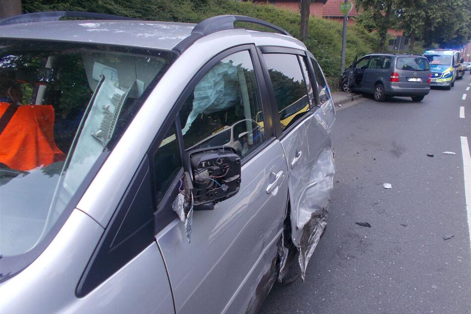 Der Wagen des 43-Jährigen war nach dem Unfall nicht mehr fahrbereit und musste abgeschleppt werden.