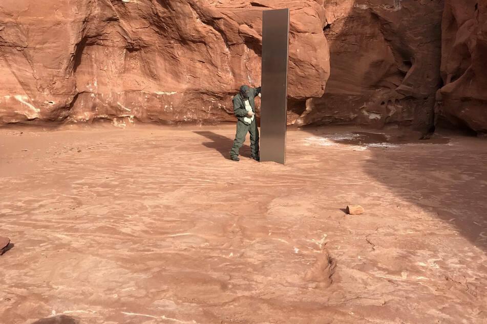 Mit ihm fing alles an: Ende November entdeckte die Besatzung eines Helikopters den ersten Monolithen in der Wüste Utahs.