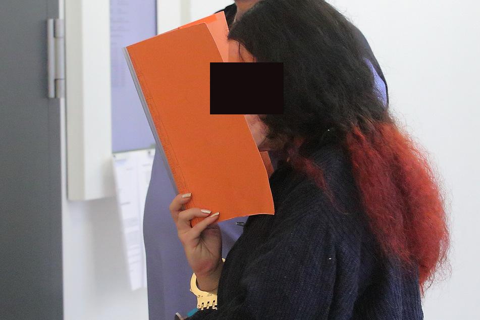 Die Hauptangeklagte Stefanie W. (32) verfolgte die Aussage von Stefan teilnahmslos.