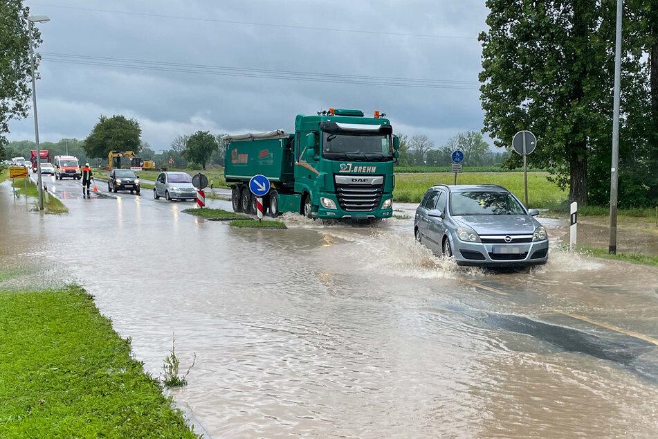 In Bayern ist nach einer kurzen Unterbrechung erneut mit Unwetter und Hochwasser zu rechnen.