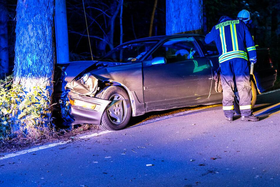 Der Ford Probe wurde im Frontbereich stark demoliert. Es entstand ein Sachschaden in Höhe von 5000 Euro.