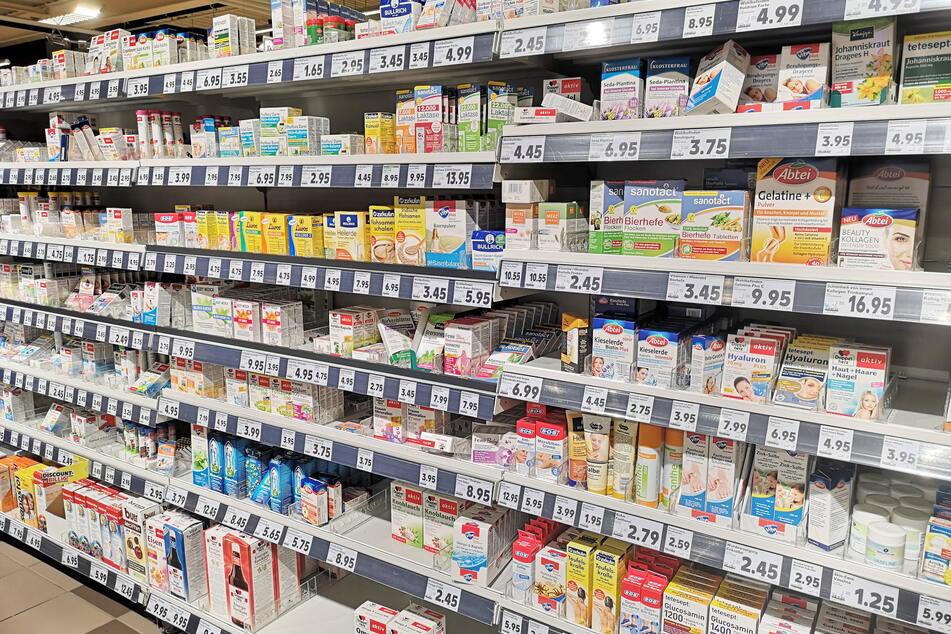 Nahrungsergänzungsmittel finden sich auch zuhauf in Drogerien.